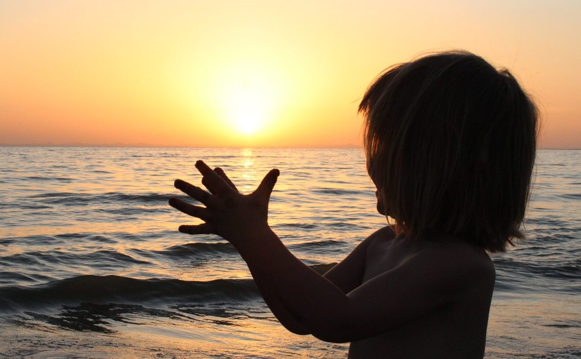 【保存版】ママ必見!子連れで行く海の持ち物リスト