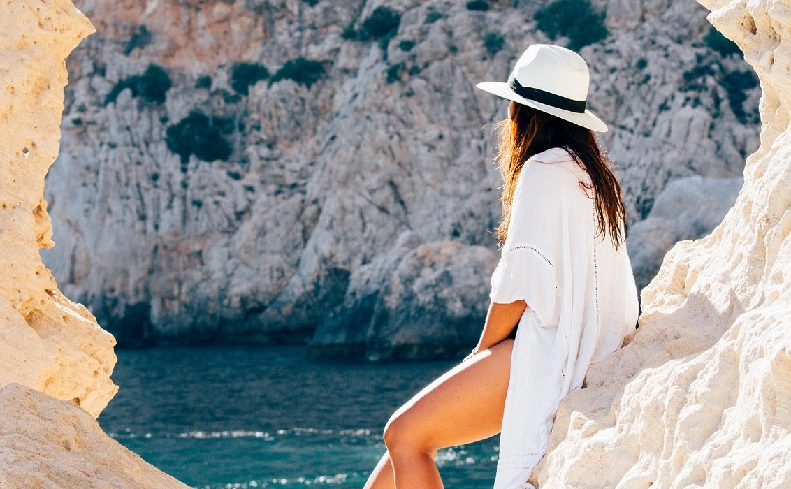 【女性版】世代別・水着の買い替えるタイミングは?